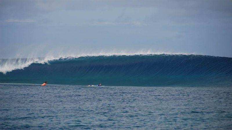 surf-frigates-fiji