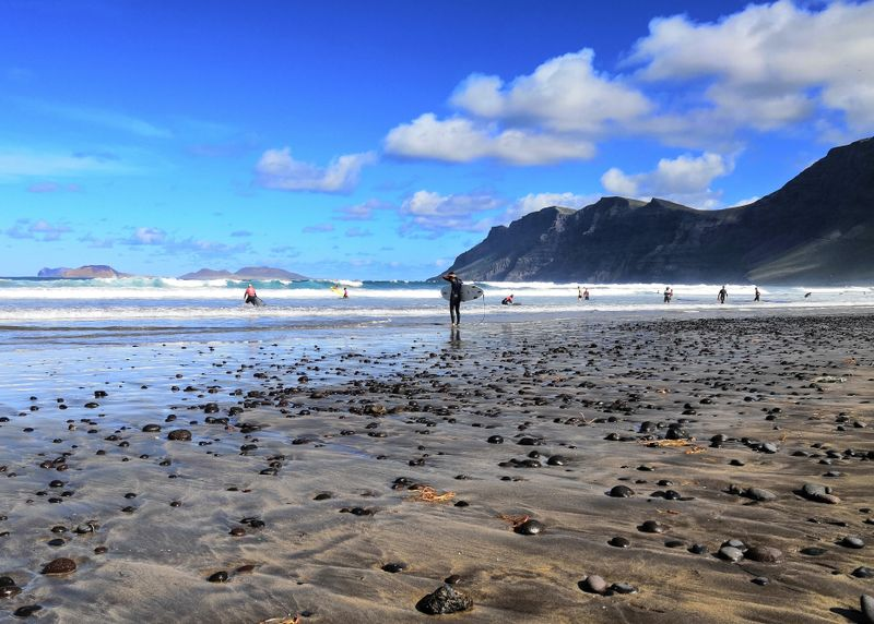 surf-Famara-Lanzarote-Canary-Islands
