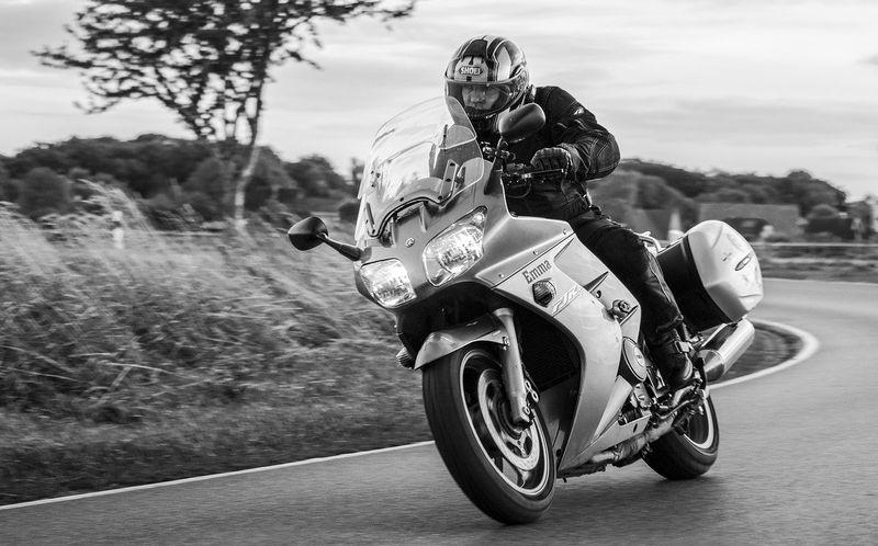 yamaha-fjr1300-motorcycle