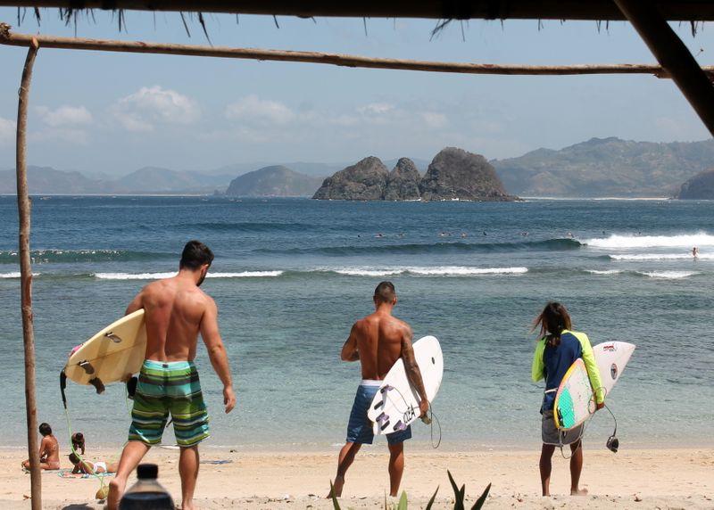 surf-lombok-senggigi