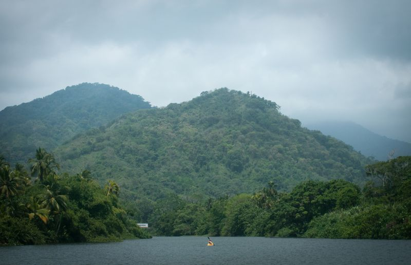 kayaking-Mata-de-Platano-colombia
