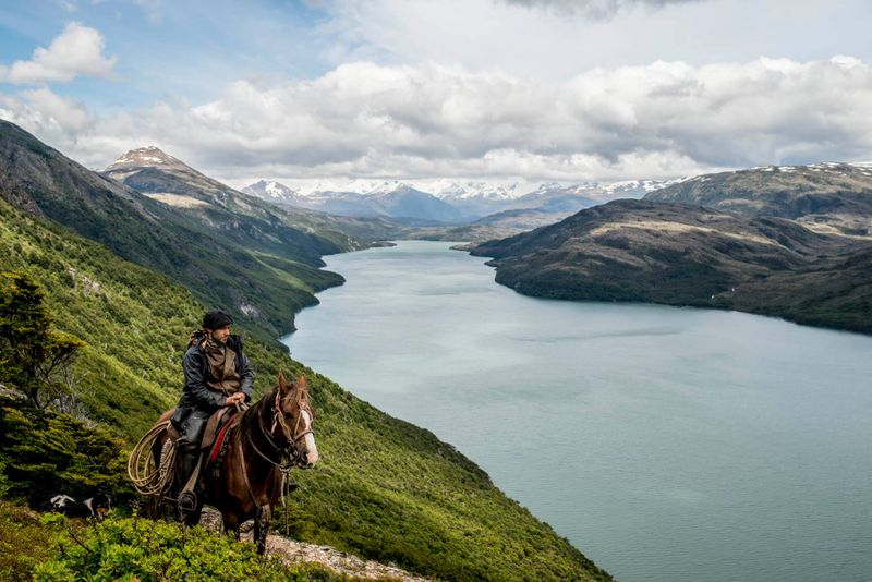 horse-riding-patagonia-chile