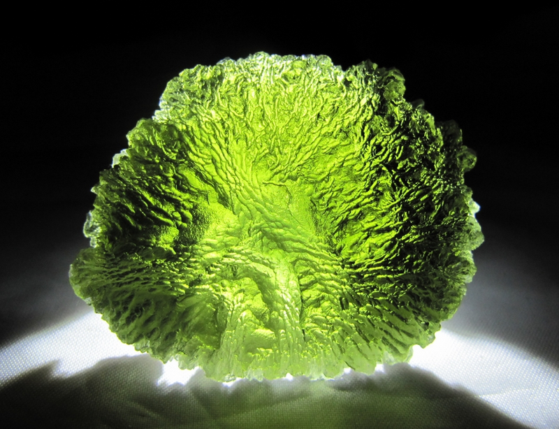 meditate with moldavite