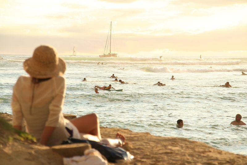 surfing-waikiki-hawaii