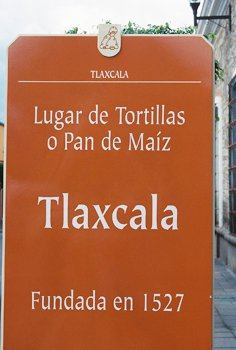 mexican home cooking holiday in tlaxcala - town sign