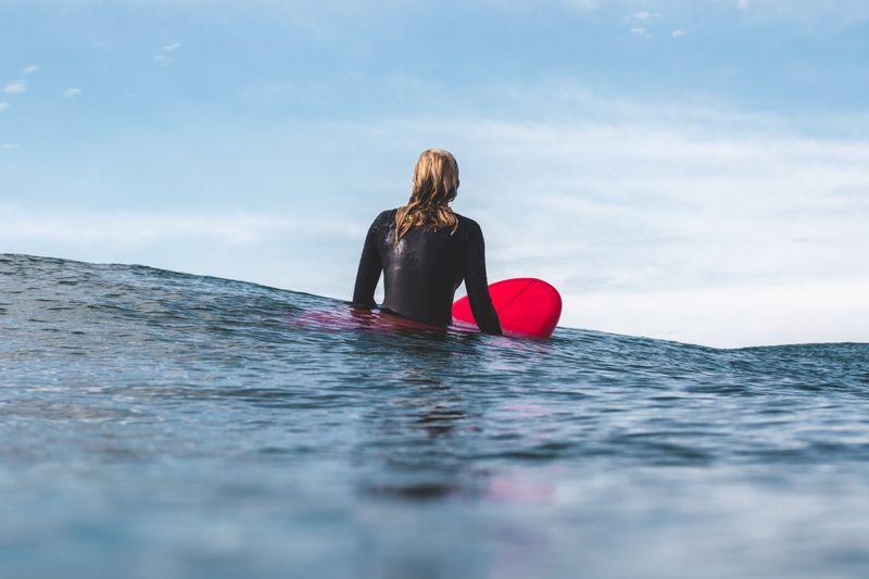 beginner-surfing