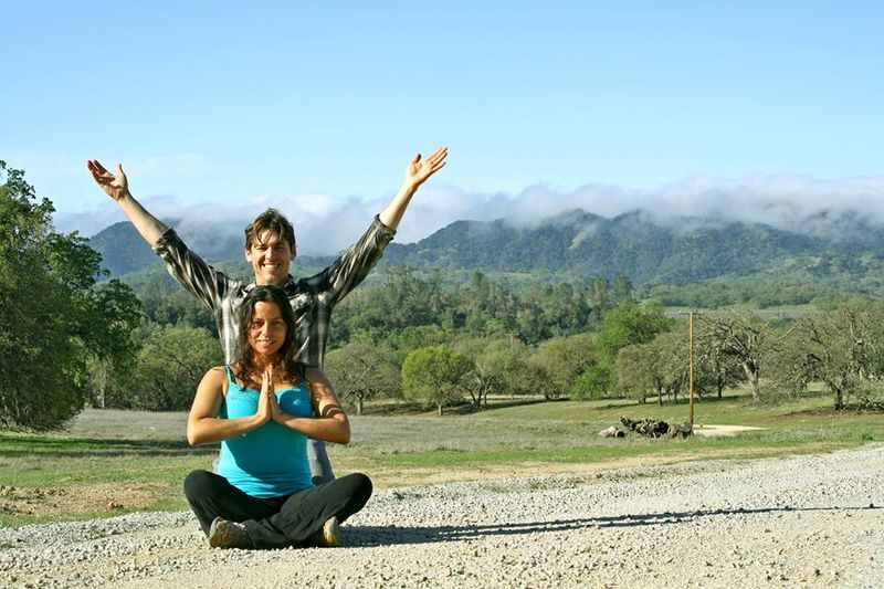california yoga retreat couple
