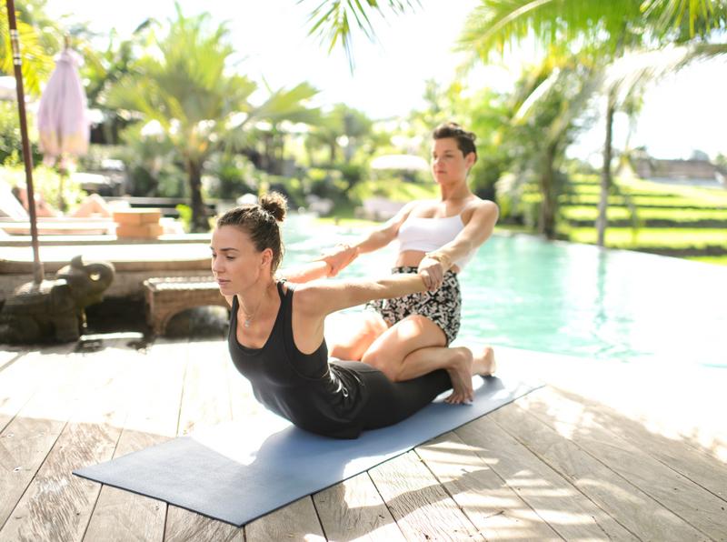 yoga retreat indonesia