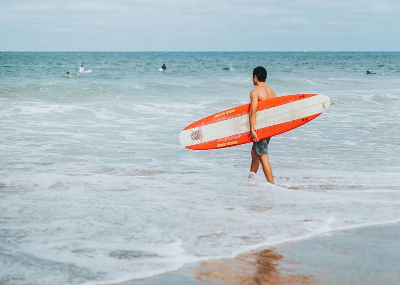 learn-to-surf-big-surfboard