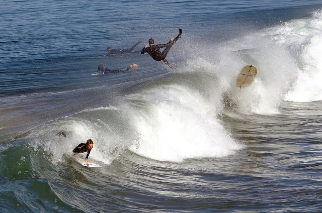 surfing-wipeout