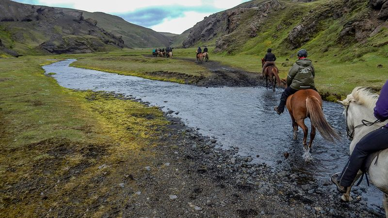 horse-riding-southern-iceland