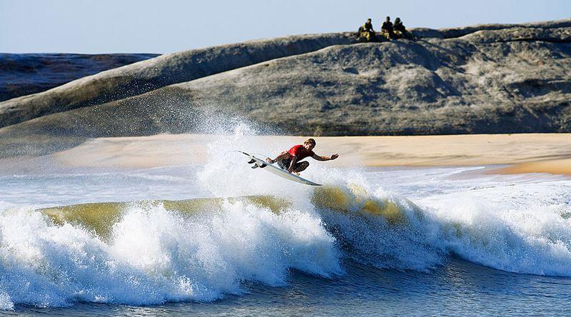 surfing-okanda-sri-lanka